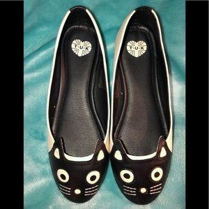 NWOT TUK Kitty Shoes
